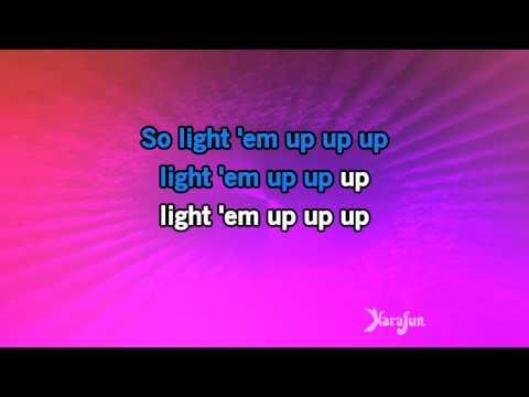 Karaoke My Songs Know What You Did In The Dark (Light Em Up) - Fall Out Boy *